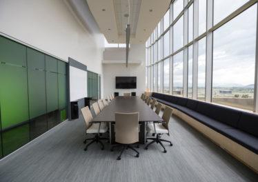 audiowizualne wyposazenie sal konferencyjnych